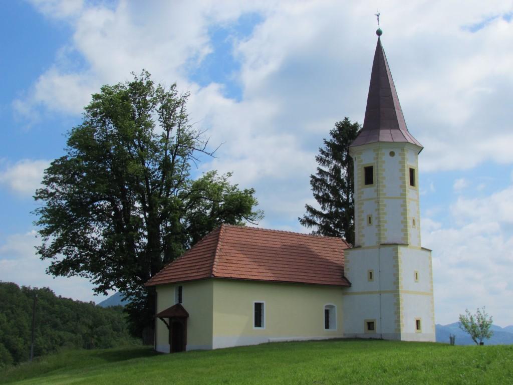 Podružnična cerkev sv. Miklavža na Močilnem